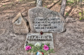 Memorial dedicated to the escapees